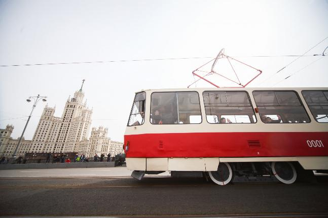 Vintage tram cars and more than 250,000 visitors: the parade in honour of the Moscow tram's 120th anniversary